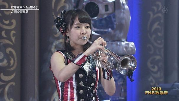 FeiFei x NMB48 - Ame no Midosuji (FNS Kayousai 131204).ts - 00003