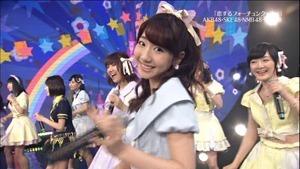 AKB48, HKT48 & AKB48G - Labrador Retriever, Melon Juice, Koisuru Fortune Cookie (TV Tokyo Ongakusai 140626).ts - 00060