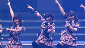AKB48 REQUEST HOUR SETLIST BEST 200 2014 Disc3b.m2ts - 00327