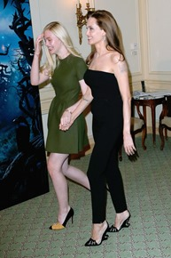 Angelina-Jolie-Elle-Fanning-Maleficent-Photocall