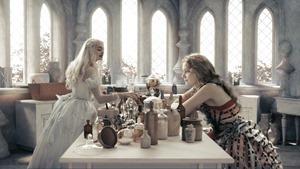 Alice.in.Wonderland.2010.1080p.BluRay.DTS.x264-ESiR.mkv - 00082
