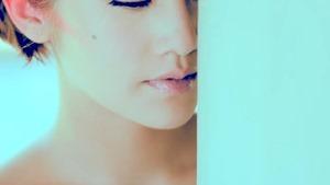 楊丞琳 曬焦的一雙耳朵 MV (HQ官方完整版) - YouTube.mp4 - 00011
