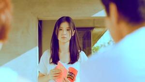 楊丞琳 曬焦的一雙耳朵 MV (HQ官方完整版) - YouTube.mp4 - 00073