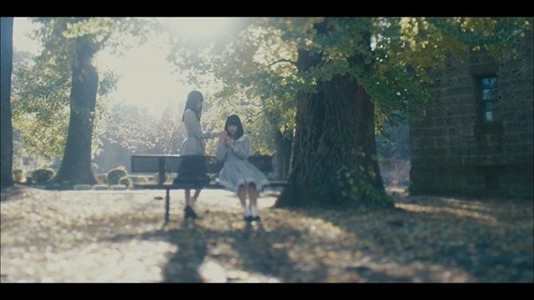 MV】ロンリネスクラブ (Team B) Short ver. _ AKB48[公式] - YouTube.mp4 - 00010