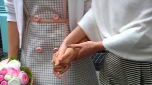 楊丞琳 Rainie Yang -【其實我們值得幸福】MV拍攝花絮 - YouTube.mp4 - 00041