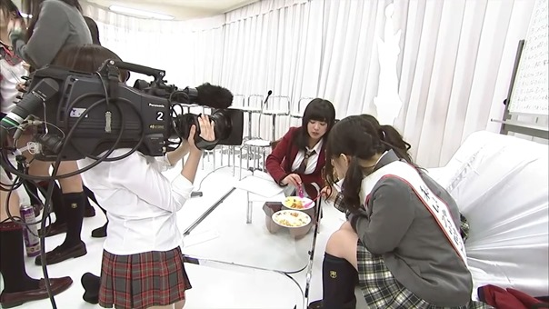 YNN [NMB48 CHANNEL] Rii-chan 24-hour TV - Time of adult (part2 - Nana's Cafe).mp4 - 00035