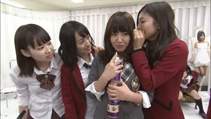 YNN [NMB48 CHANNEL] Rii-chan 24-hour TV - Time of adult (part2 - Nana's Cafe).mp4 - 00036