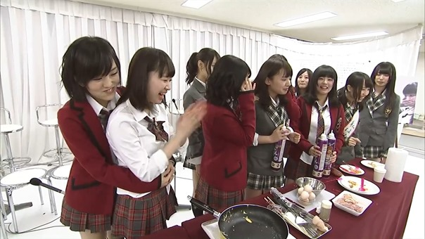 YNN [NMB48 CHANNEL] Rii-chan 24-hour TV - Time of adult (part2 - Nana's Cafe).mp4 - 00057