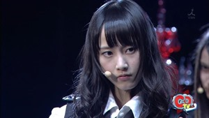 AKB48 - UZA (121103 COUNT DOWN TV) Kakkoi Rena Sleeveless.mp4_snapshot_00.35_[2015.08.15_09.58.50]