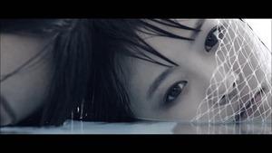MV】水の中の伝導率 Short ver. _ AKB48[公式] - YouTube.mp4 - 00004