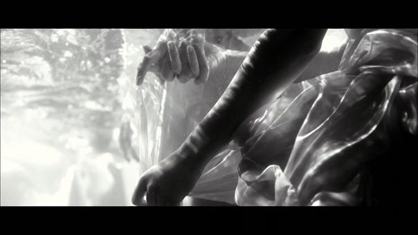 MV】水の中の伝導率 Short ver. _ AKB48[公式] - YouTube.mp4 - 00025