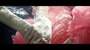 MV】水の中の伝導率 Short ver. _ AKB48[公式] - YouTube.mp4 - 00044