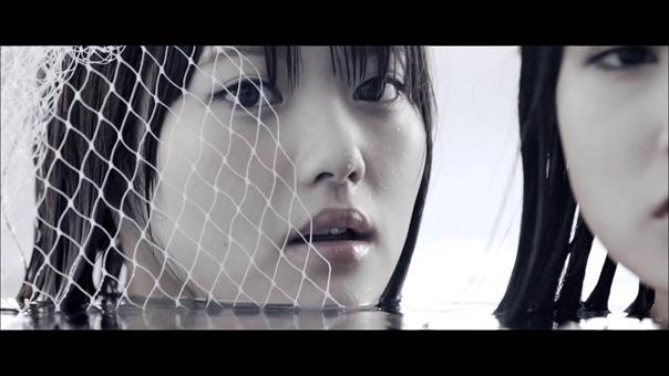 MV】水の中の伝導率 Short ver. _ AKB48[公式] - YouTube.mp4 - 00092