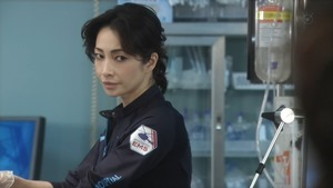 Code Blue Season 3 EP01 720p HDTV x264 AAC-DoA.mkv - 00041