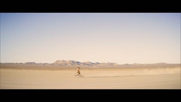 宇多田ヒカル - 二時間だけのバカンス featuring 椎名林檎 - YouTube.MKV - 00023
