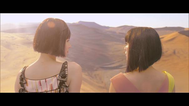 宇多田ヒカル - 二時間だけのバカンス featuring 椎名林檎 - YouTube.MKV - 00038