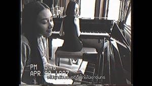 """เดียวดายกลางสายลม (Cover Version) เพลงประกอบภาพยนตร์ """"เพื่อน..ที่ระลึก"""" - บี น้ำทิพย์【OFFICIAL MV】 - YouTube.MKV - 00015"""
