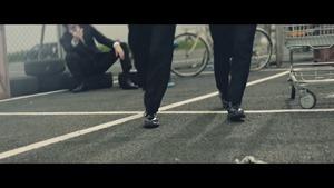 欅坂46 MECHAKARI CM 風に吹かれても篇 15秒 30秒ver 平手友梨奈 眼鏡スーツ姿でダンス Keyakizaka46 - YouTube.MKV - 00018