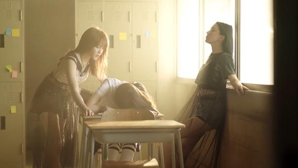 [Official MV] - ยังไม่ชิน (Still) - EMMA PAM - YouTube.MKV - 00005