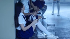 [Official MV] - ยังไม่ชิน (Still) - EMMA PAM - YouTube.MKV - 00047