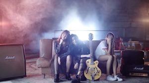 [Official MV] - ยังไม่ชิน (Still) - EMMA PAM - YouTube.MKV - 00107