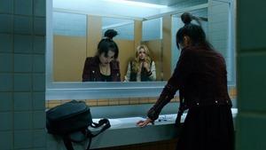 Marvels.Runaways.S01E01.Reunion.1080p.Hulu.WEB-DL.AAC2.0.H.264-QOQ.mkv - 00023