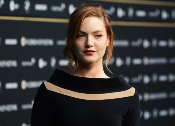 Holliday_Grainger,_Tell_It_To_Th_Bees