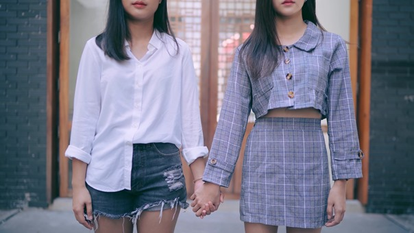 อย่าเลย อย่าทรมาน - Greasy Cafe ( LGBT Music video ).mkv - 00;04;06.905