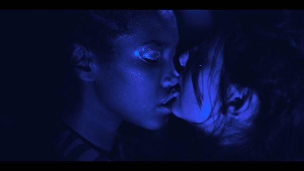 Kissing.Game.S01E02.1080p.NF.WEB-DL.DDP5.1.x264-TEPES.mkv - 03;02;37.376