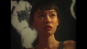 Chaleeda - Cigarettes [Official Music Video].mp4_snapshot_01.48.949