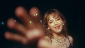 Chaleeda - Cigarettes [Official Music Video].mp4_snapshot_02.11.323