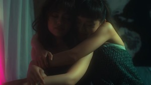 Chaleeda - Cigarettes [Official Music Video].mp4_snapshot_03.53.241
