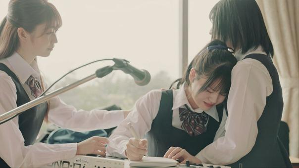 =LOVE(イコールラブ)/桜の咲く音がした Music Video 【YouTube ver.】.mkv_snapshot_03.09.451