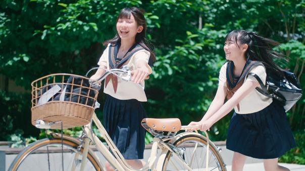 ≠ME (ノットイコールミー)_ 1st Single『君はこの夏、恋をする』【MV full】.mkv_snapshot_00.57.628
